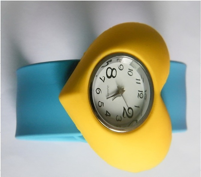 SEO_COMMON_KEYWORDS Cute Heart Shape Design Slap Silicone Watch