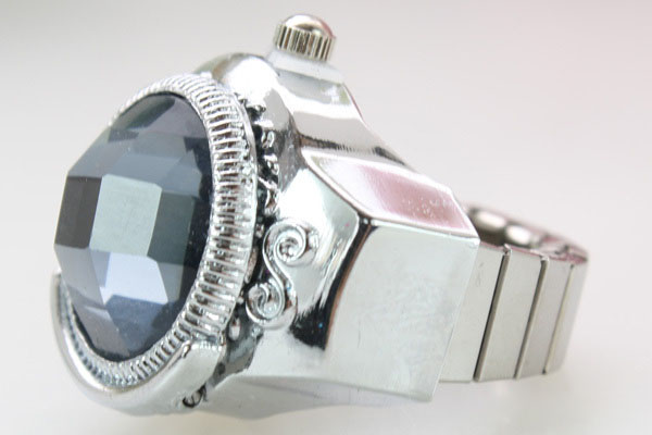 SEO_COMMON_KEYWORDS New Stylish Crystal Women Quartz Finger Ring Watch
